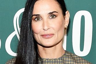 Photo of Demi Moore admits she 'changed herself' during her 3 marriages