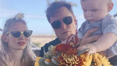"""Photo of Elon Musk Shares New Photo of Grimes and Their Baby Boy in Texas City He's Calling """"Starbase"""""""
