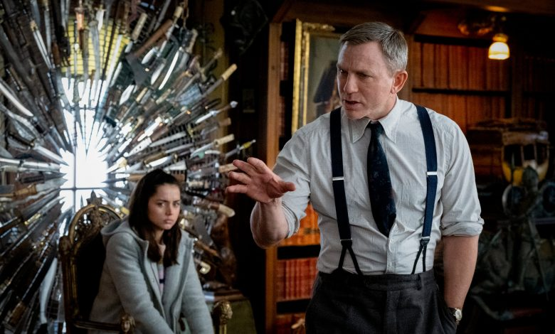 Photo of Netflix Buys 'Knives Out' Sequels for $450 Million
