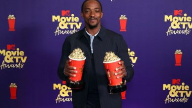 Photo of Anthony Mackie Reflects on 'Very Hard' Year During Acceptance Speech at 2021 MTV Movie & TV Awards
