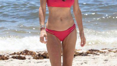 Photo of Bikini-clad Bethenny Frankel rocks massive engagement ring at the beach.