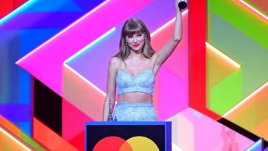 Photo of Taylor Swift Makes History at the 2021 BRITs With Global Icon Award