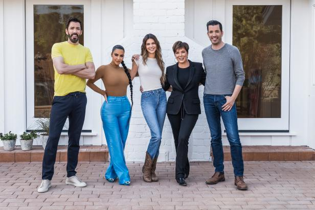 Photo of 'Property Brothers' Drew and Jonathan Scott on Working With Kim Kardashian, Gwyneth Paltrow & More (Exclusive)