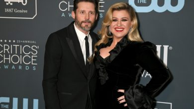 Photo of Kelly Clarkson asks judge to declare her legally single amid divorce proceedings.