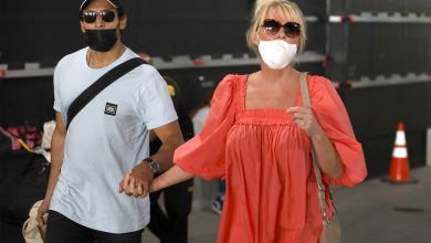 Photo of Sandra Lee and Ben Youcef return to US after waiting for Cuomo to be ousted.